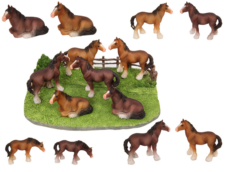 10CM HORSE ON STAND 8 ASSTD (32=FREE DISPLAY)