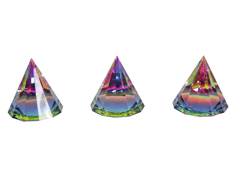 6CM CRYSTAL PYRAMID PAPERWEIGHT